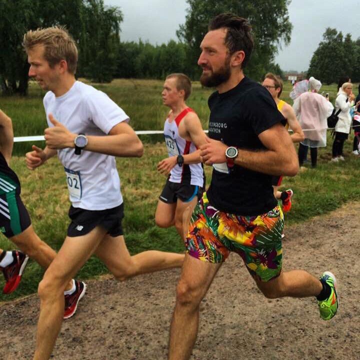 Erik och jag i starten ivrigt påhejad och plåtad av Catrine i Runners Club