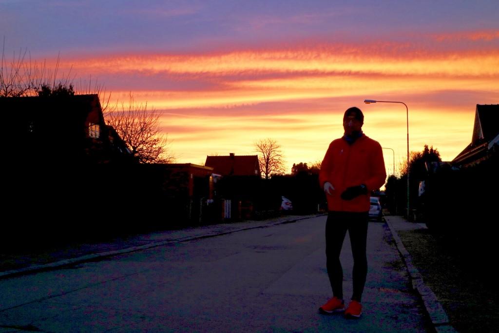 """Mycket löpning med goda vänner på senaste, här med start på """"Maratongatan 1! med Fredrik bakom kameran"""
